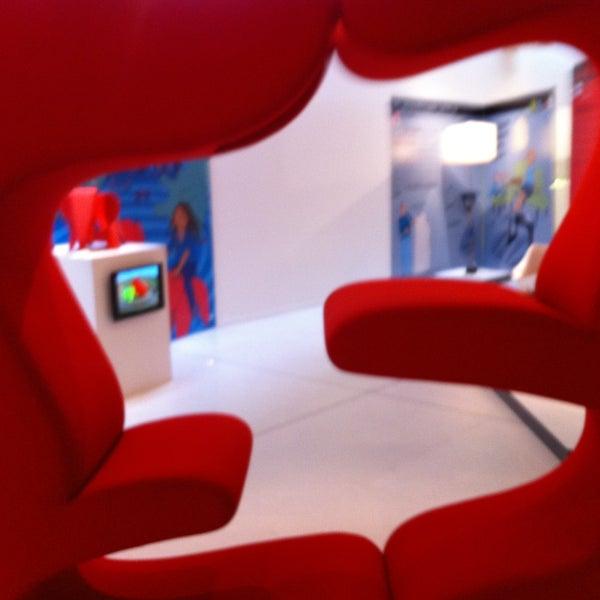 รูปภาพถ่ายที่ Design Museum Gent โดย Wouter C. เมื่อ 5/4/2013