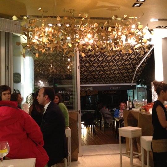 Foto tirada no(a) SushiCafé Avenida por Eloi G. em 10/3/2012