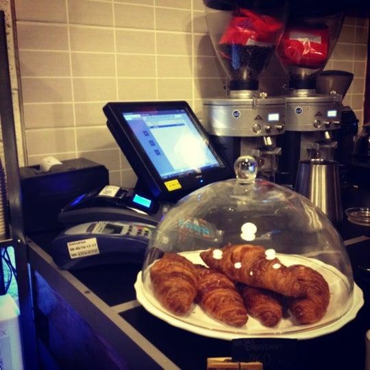 11/21/2012에 Adam M.님이 Tamp & Pull Espresso Bar에서 찍은 사진