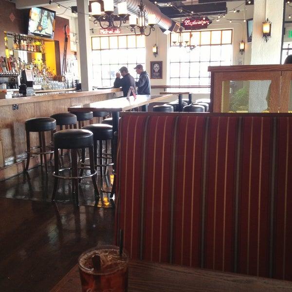 4/19/2013에 Samantha J.님이 Billy's Inn에서 찍은 사진