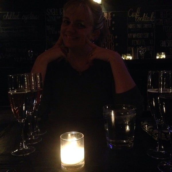 Photo prise au Volo Restaurant Wine Bar par Mackenzie S. le3/6/2014