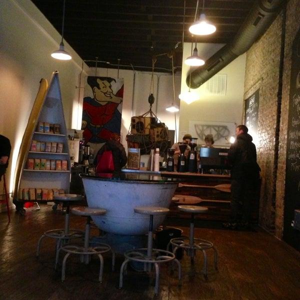 Foto tirada no(a) Bow Truss Coffee por Justin T. em 2/27/2013
