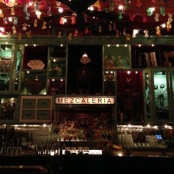 Foto tomada en Casa Mezcal por Victor L. el 12/27/2012
