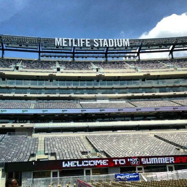 รูปภาพถ่ายที่ MetLife Stadium โดย Herman S. เมื่อ 6/2/2013