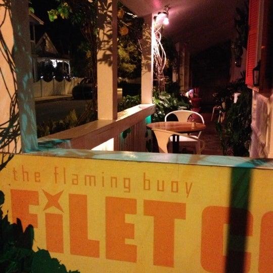 รูปภาพถ่ายที่ The Flaming Buoy Filet Co. โดย Paul W. เมื่อ 8/31/2013