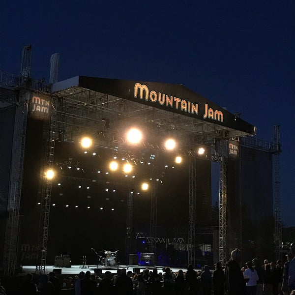 Foto scattata a Mountain Jam da Paul W. il 6/16/2018