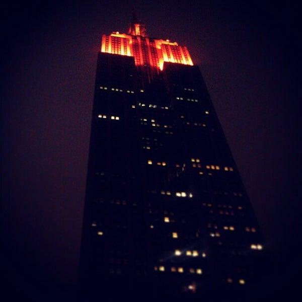 Foto diambil di VU Bar NYC oleh Sean H. pada 3/2/2013