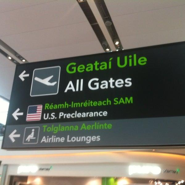 Foto tirada no(a) Aeroporto de Dublin (DUB) por CW B. em 7/21/2013
