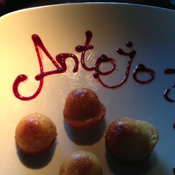 Foto diambil di Restaurante Lakasa oleh Gonzalo G. pada 1/25/2013