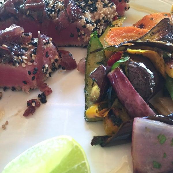 Super hôtel dans la zone de Tulum. Bungalow & plage nikel. Mention spéciale pour le ceviche, un des meilleurs que j'ai consommé durant mon tour du Yucatán.