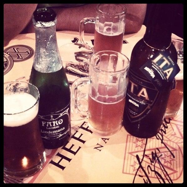 Foto tirada no(a) The Beer Box por Isaac M. em 9/13/2013