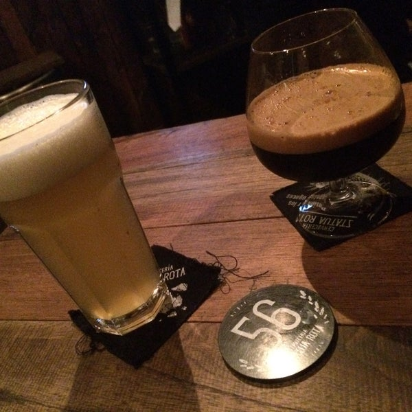 Muuuuy bueno me gusto el ambiente el volumen de la música es muy apropiado, y el sabor de la cerveza muy rica :D
