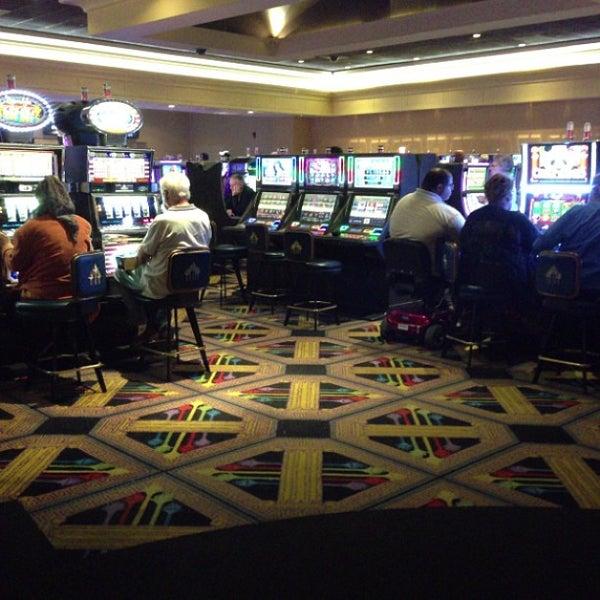 Foto scattata a Greektown Casino-Hotel da Dee S. il 7/13/2013
