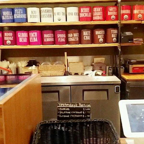 Foto tirada no(a) specialTEA Lounge & Cafe por ker c. em 12/30/2018
