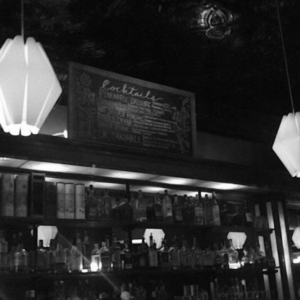 Foto diambil di Easy Bar oleh ker c. pada 11/26/2017
