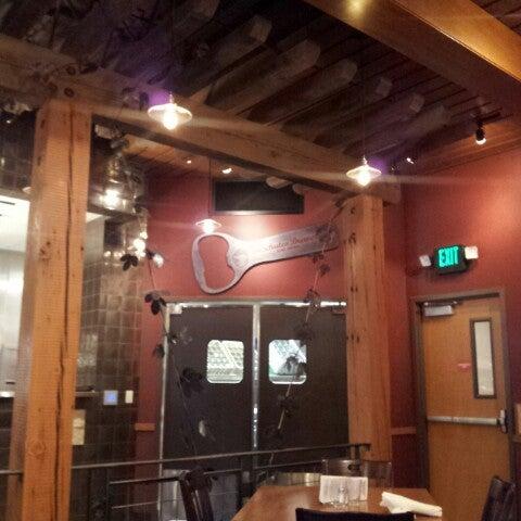 Снимок сделан в Deschutes Brewery Bend Public House пользователем Brandon R. 10/29/2012