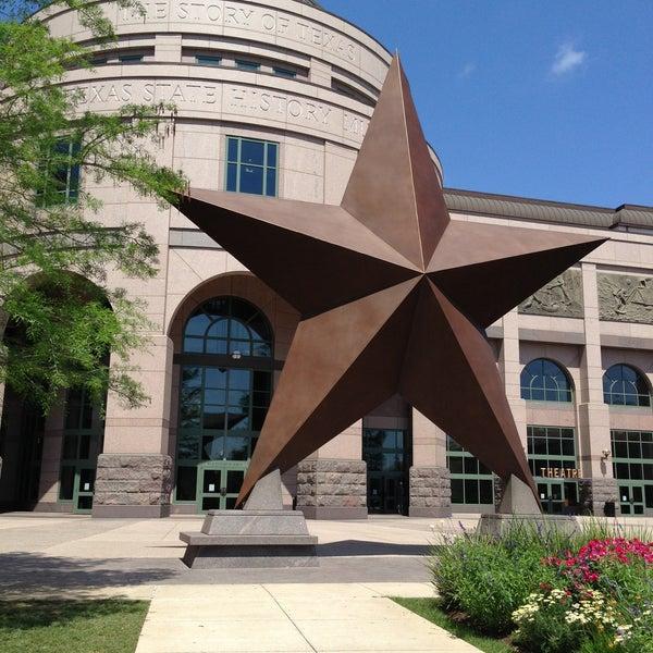 4/28/2013 tarihinde Huy N.ziyaretçi tarafından Bullock Texas State History Museum'de çekilen fotoğraf