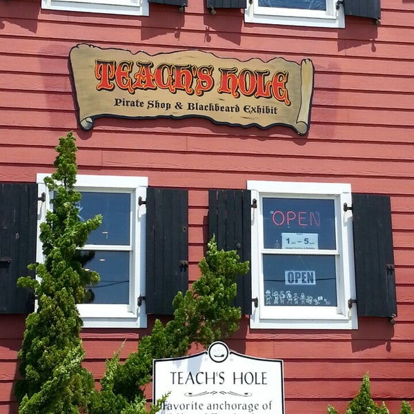Teach's Hole Pirate Shop & Blackbeard Exhibit - 5 tips from 233 visitors
