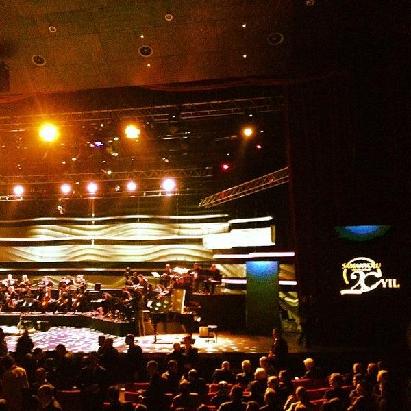 Das Foto wurde bei İstanbul Kongre Merkezi von Yasin K. am 12/25/2012 aufgenommen