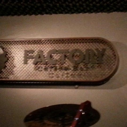 Foto tomada en Factory Coffee Bar por Vicente H. el 11/30/2012