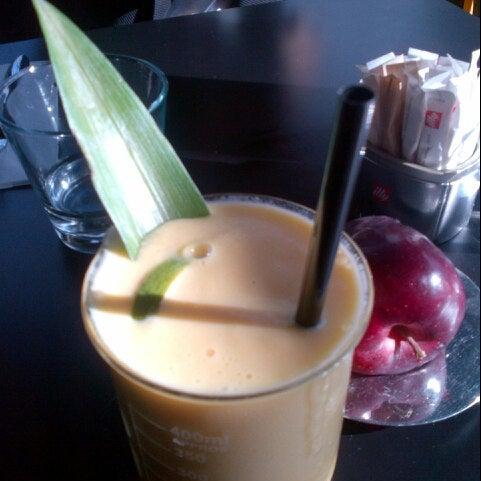 11/3/2012 tarihinde Ronald P.ziyaretçi tarafından SCHOOL Restaurant'de çekilen fotoğraf