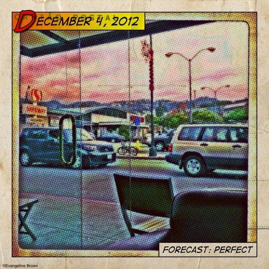 12/4/2012에 Evangeline B.님이 Safeway에서 찍은 사진