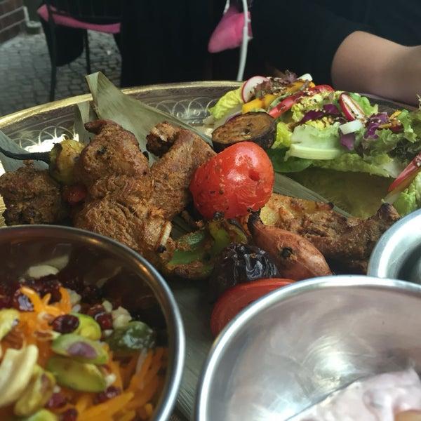 Fantastische indische Küche. Onlinereservierungen verursachen Chaos – besser anrufen.
