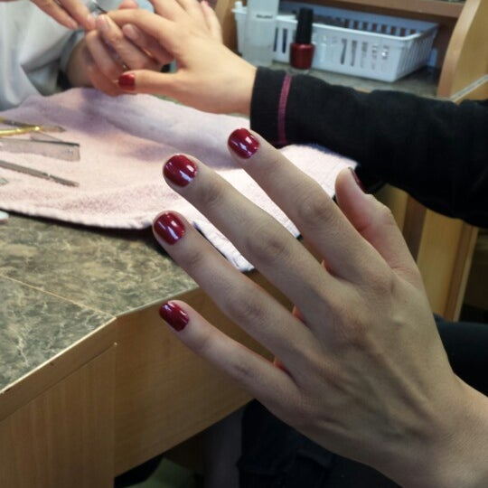 Photo taken at Savvy Nails - Glenwood Meadows by Andrea M. on 5/12