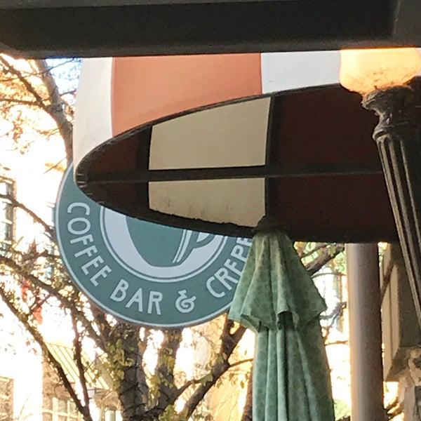 12/17/2020にAndy M.がFrogg Coffee Bar and Creperieで撮った写真