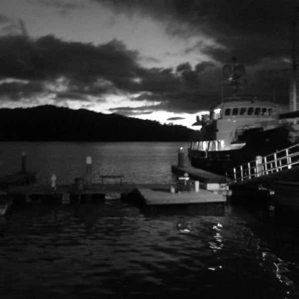 Foto diambil di Banana Bay Marina (Bahía Banano, S.A.) oleh Hanzel H. pada 10/27/2013