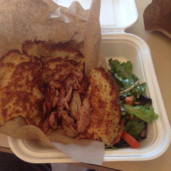 Foto tirada no(a) Sandwich Me In por Ian M. em 8/16/2013