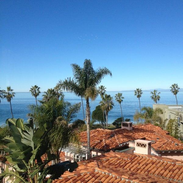 Снимок сделан в La Valencia Hotel пользователем Ron A. 1/20/2013