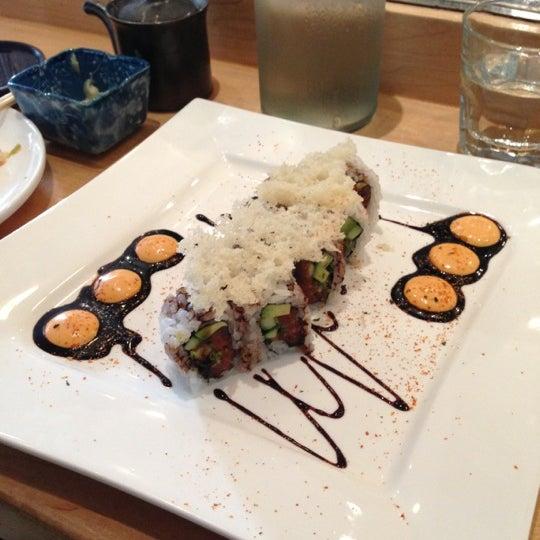 รูปภาพถ่ายที่ Sushi Tora โดย Don B. เมื่อ 6/16/2013