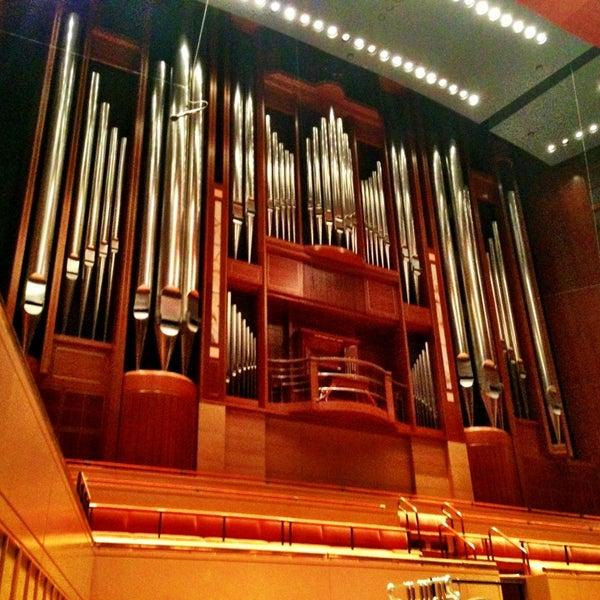 Foto tirada no(a) Morton H. Meyerson Symphony Center por Caleb M. em 5/25/2013