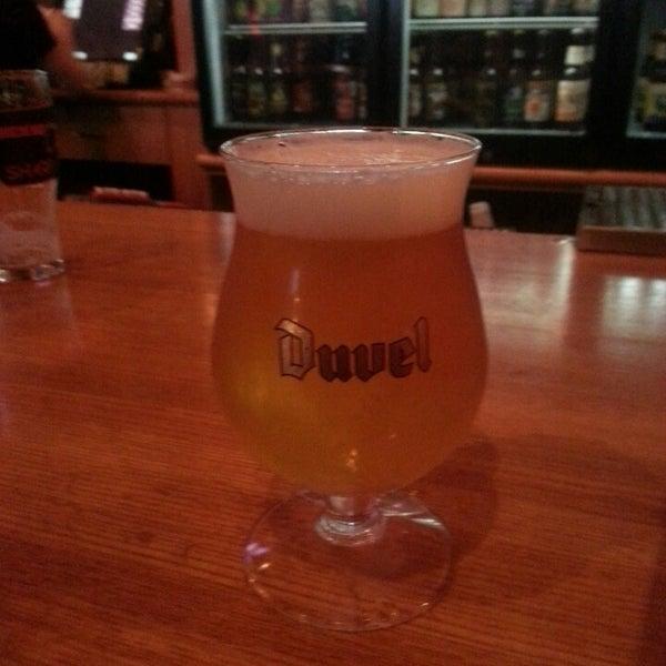 3/15/2013에 Frank K.님이 Sharp Edge Beer Emporium에서 찍은 사진
