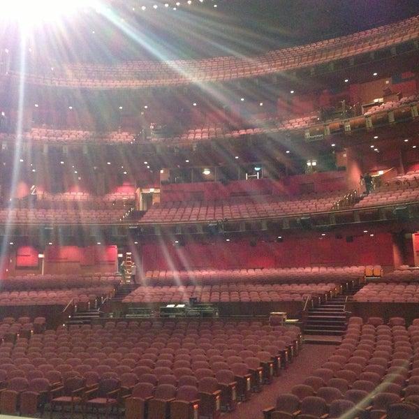 Foto diambil di Dolby Theatre oleh Mariana A. pada 4/24/2013