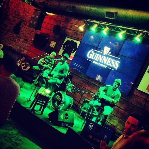 9/21/2013 tarihinde Letícia G.ziyaretçi tarafından Kia Ora Pub'de çekilen fotoğraf