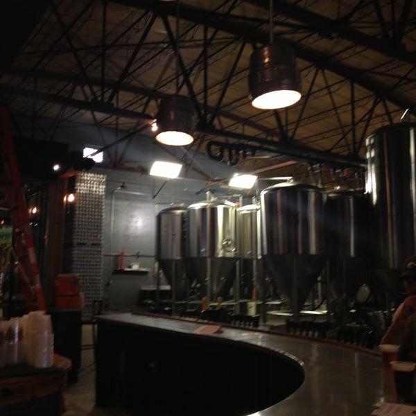 Foto diambil di Good People Brewing Company oleh Dianna D. pada 7/8/2013
