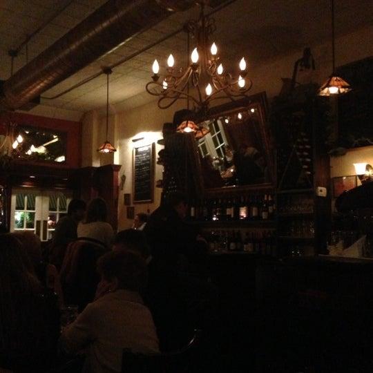 12/1/2012 tarihinde Jenny T.ziyaretçi tarafından Fragole'de çekilen fotoğraf