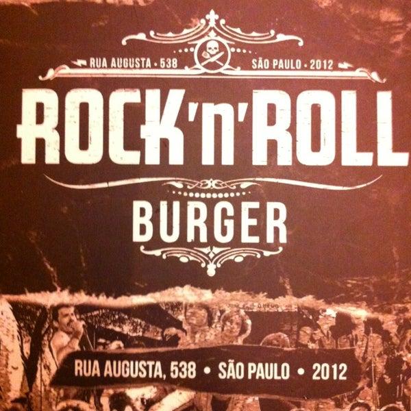 2/2/2013 tarihinde Lucan J.ziyaretçi tarafından Rock 'n' Roll Burger'de çekilen fotoğraf