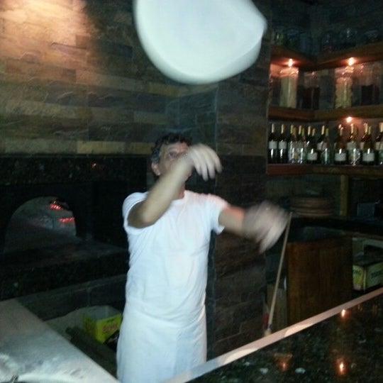 10/19/2012 tarihinde Sinanziyaretçi tarafından Mica Restaurant & Bar'de çekilen fotoğraf