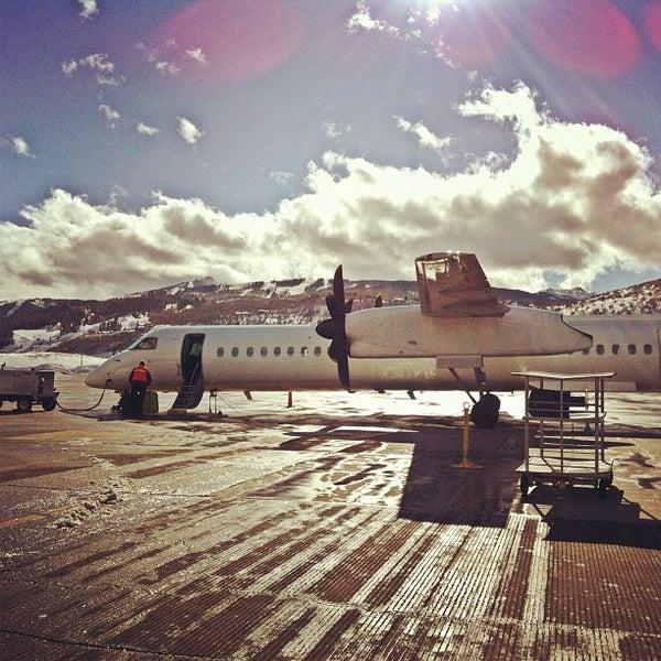 Photo prise au Aspen/Pitkin County Airport (ASE) par Erica R. le1/27/2012