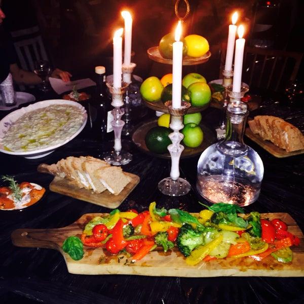muhteşem yemekler, özgün bir ortam. özel geceler ve davetler için özenli hazırlanmış deneyimler tasarlayıp sizi şımartıyorlar. 💛💙💜