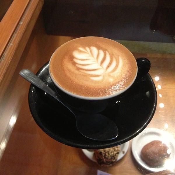 1/24/2013 tarihinde LoveLeeziyaretçi tarafından Analog Coffee'de çekilen fotoğraf