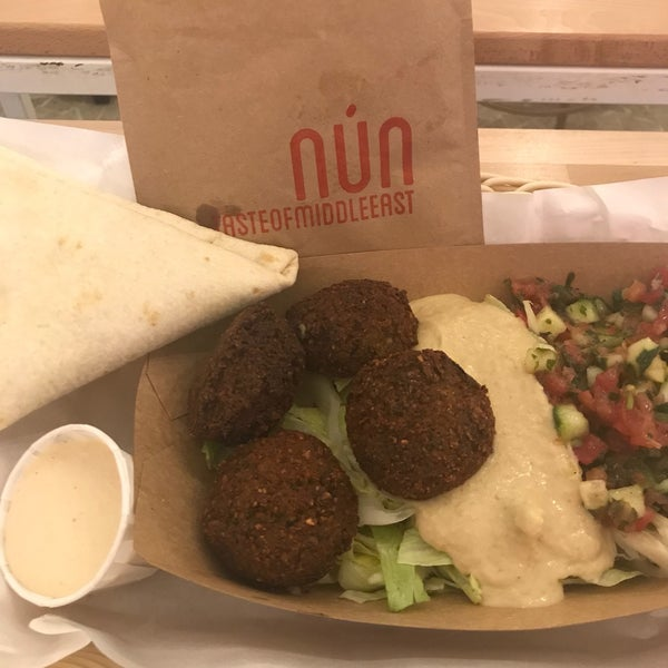 Best falafel and hummus in town! Love the falafel salad as well as the Taim sandwich 🤤