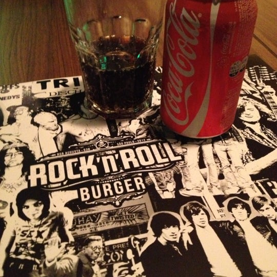 10/17/2012 tarihinde Flavia M.ziyaretçi tarafından Rock 'n' Roll Burger'de çekilen fotoğraf