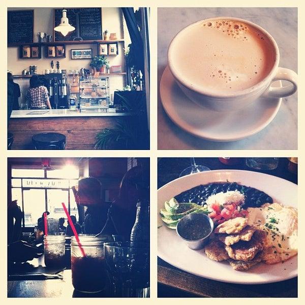 12/2/2012にCindy T.がCubana Socialで撮った写真