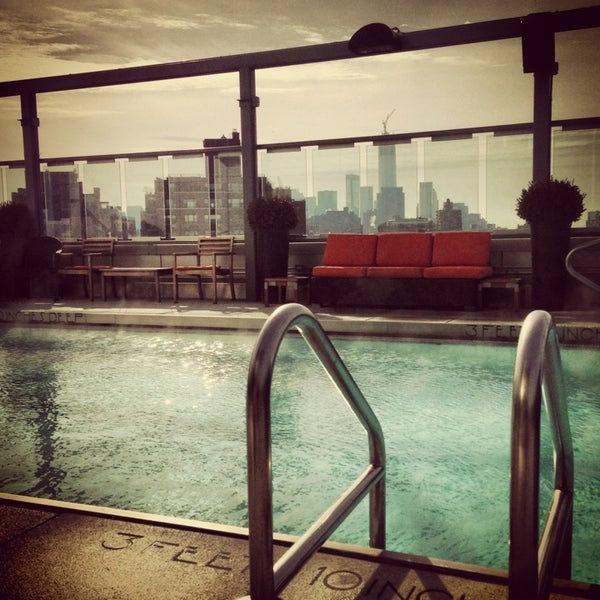 12/31/2012에 Michael V.님이 Plunge Rooftop Bar & Lounge에서 찍은 사진
