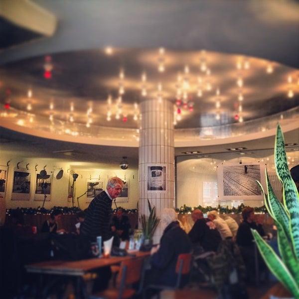 12/23/2012にSara D.がCafe Restaurant Piet de Gruyterで撮った写真