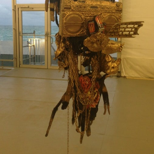 Foto scattata a UNTITLED. Art Fair da Melissa D. il 12/8/2012